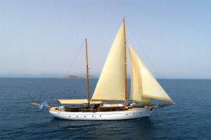 Motor Sailers – YachtGreece com